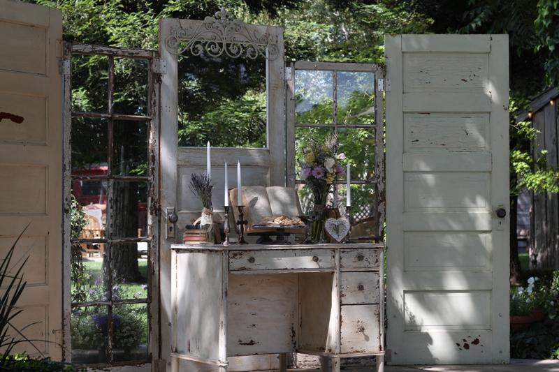 5 Door Altar With Communion Display