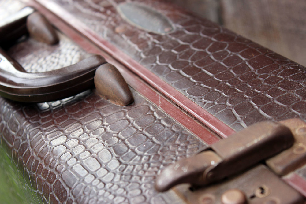 Samsonite Brown Alligator Suitcase