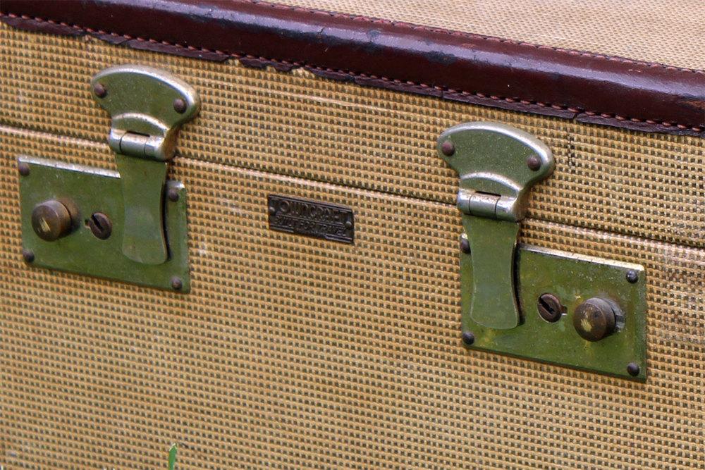 SmallTanTraincase-1360-907-02.jpg