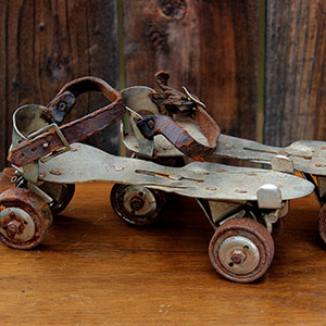 RUSTY ROLLER SKATES - $10 MORE DETAILS & PICS...