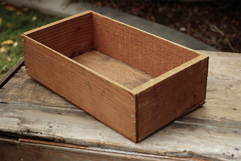 SIMPLE WOOD CRATE - $5