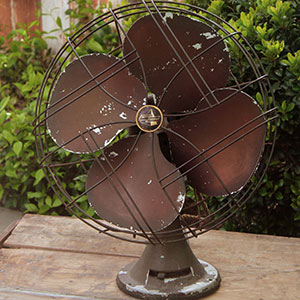 1940s - EMERSON ELECTRIC FAN - $30 MORE DETAILS & PICS...