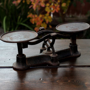 WEIGHTS & MEASURES SCALE - $8    MORE DETAILS & PICS...