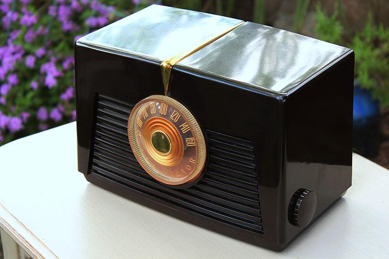 1949 RCA VICTOR RADIO