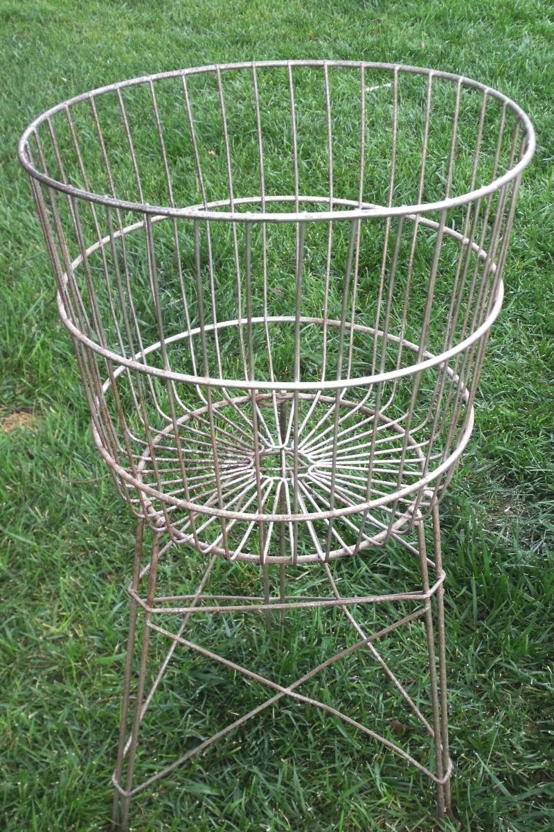 Vintage Wire Laundry Basket | American Vintage Rentals Wedding Rentals Furniture Decor
