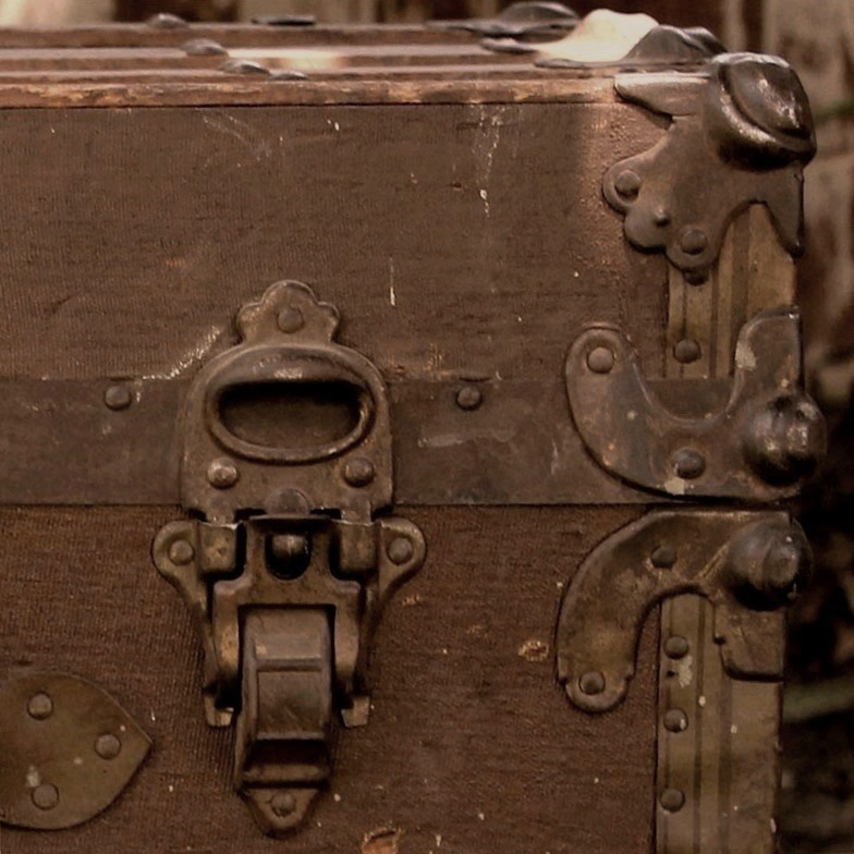 Steamer-Trunk-2-800x800-2(3).jpg