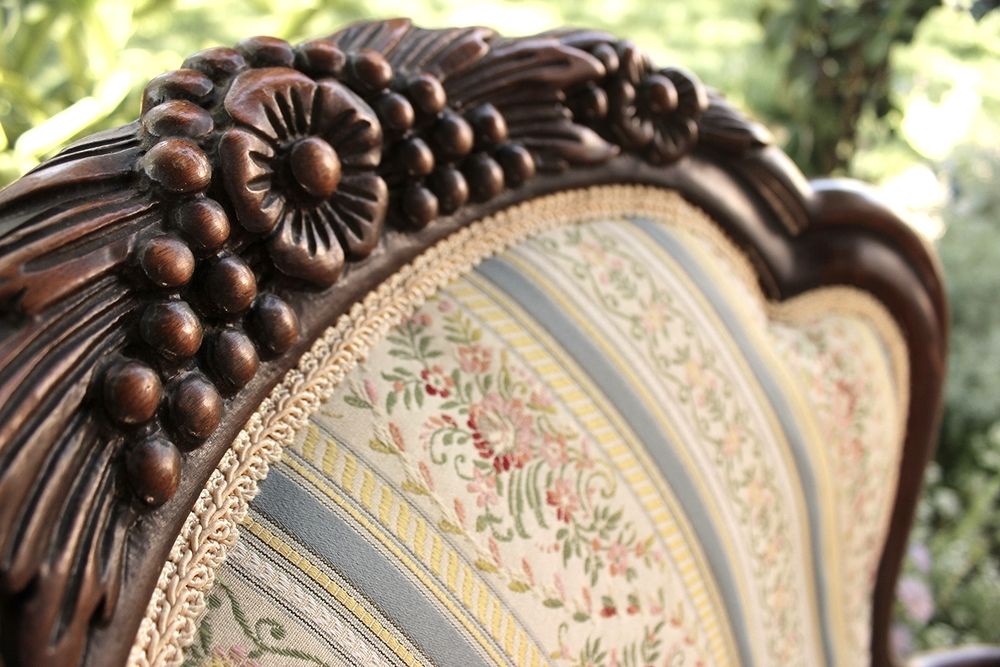 Furniture-Parlor Chair-Rosamund-Detail01.jpg