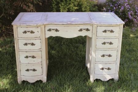 Bassett Writing Desk - $75 MORE DETAILS & PICS...