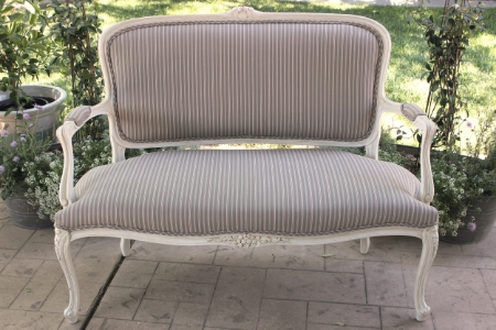 "Settee - ""Isobel""   RENT FOR $125    MORE DETAILS & PICS..."
