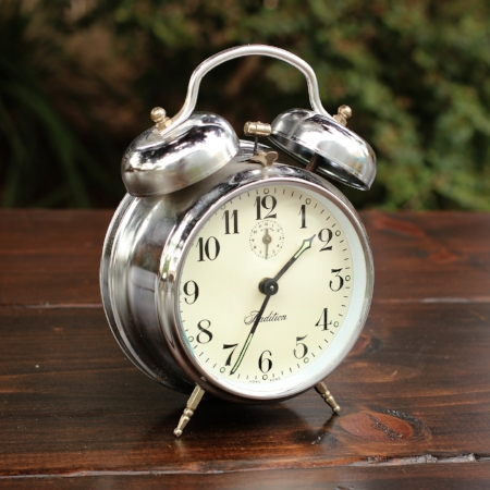"Medium ""Tradition"" Alarm Clock - $5 MORE DETAILS & PICS..."