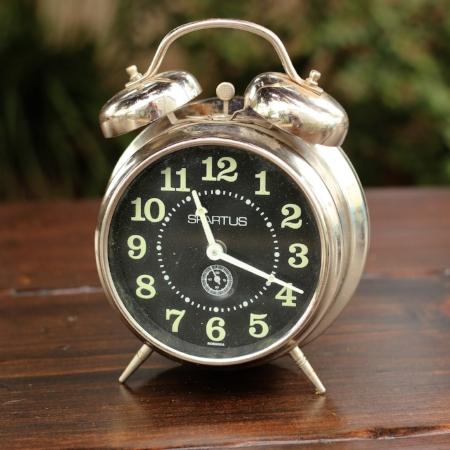 """Medium """"Spartus"""" Alarm Clock - $5    MORE DETAILS & PICS..."""