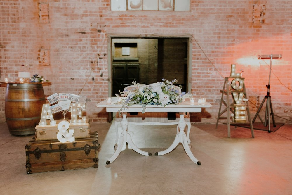 Vintage Sweetheart Table Rental
