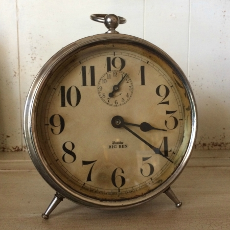 "Medium ""Big Ben"" Silver Clock - $5 MORE DETAILS & PICS..."