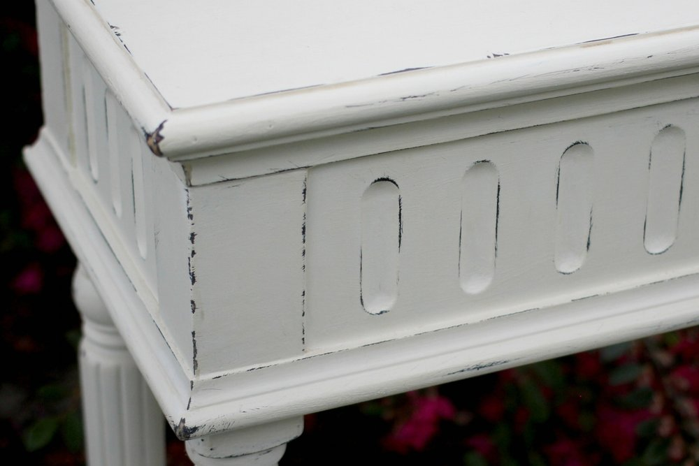 Console Table White-Closeup.jpg