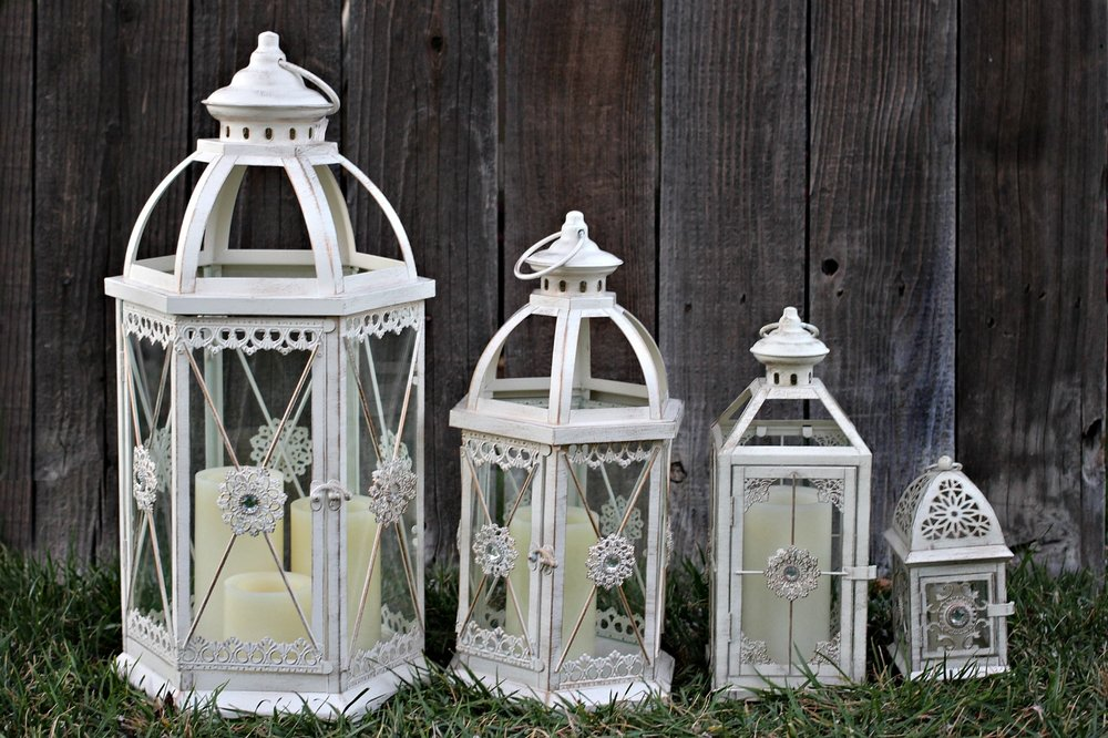 Vintage-Look Lanterns for rent