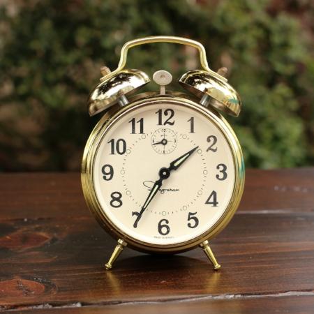 """Medium """"Ingraham"""" Alarm Clock - $5   MORE DETAILS & PICS..."""