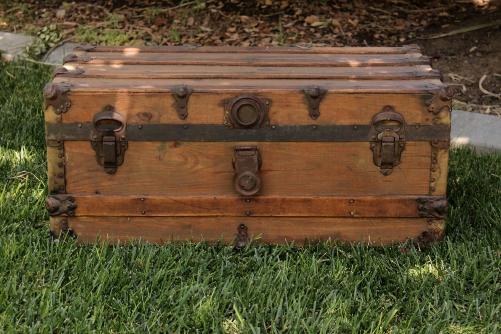 Wood Steamer Trunk - $30 MORE DETAILS & PICS...
