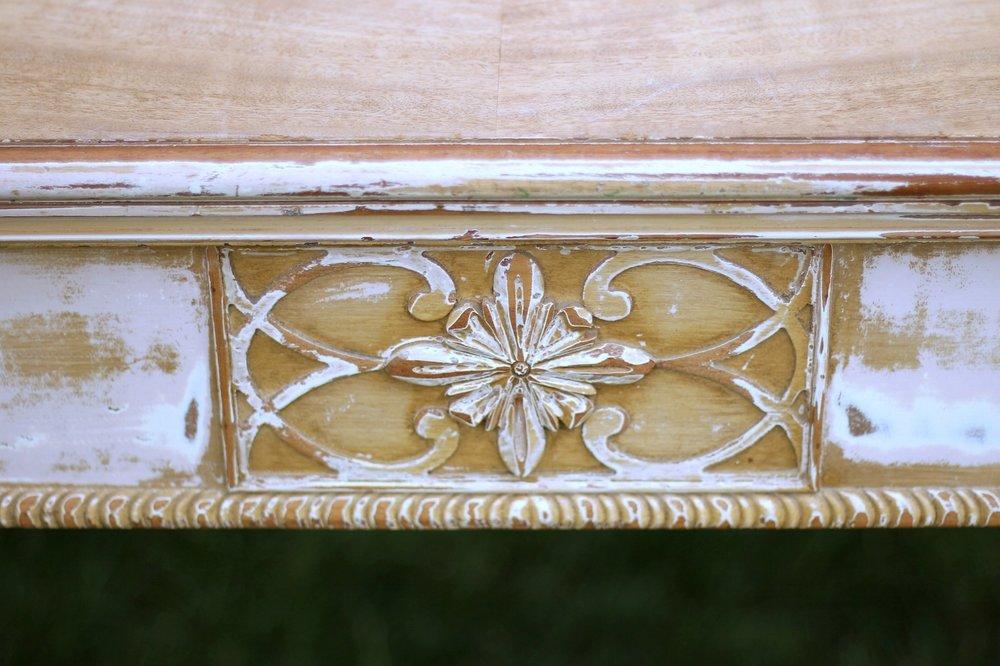 Medallion Table Detail2.jpg