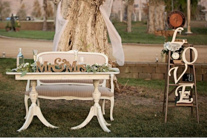 Sweetheart Table with LOVE Ladder.jpg