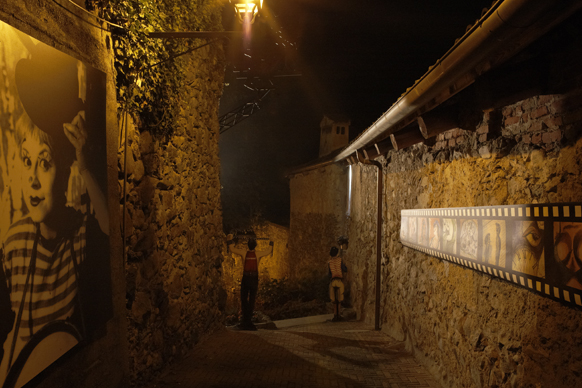 "Giulietta Masina, ""La Strada"" by night"