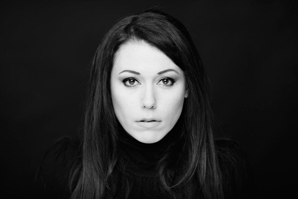 portrait-actress-headshot-montreal-audrey-nikkor-135mmF2DC-08.jpg