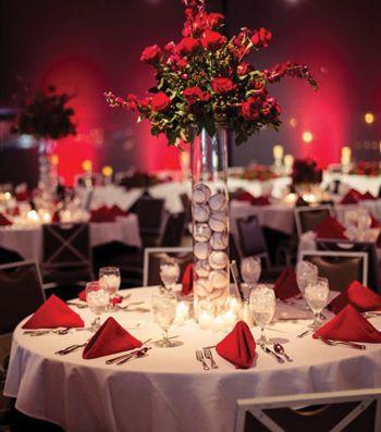 22406bd37441ef8d100418994915a098--baseball-themed-wedding-softball-wedding.jpg