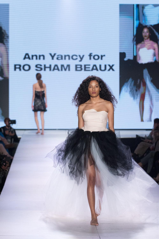 Ann Yancy+RoShamBeaux-Web-LexusCFW2018-LeightonD-8918.jpg