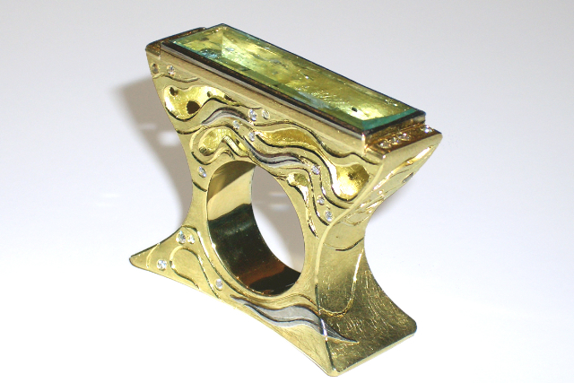'manta ring' aquamarine set in 18ct yellow gold with white diamonds and platinum details $13750