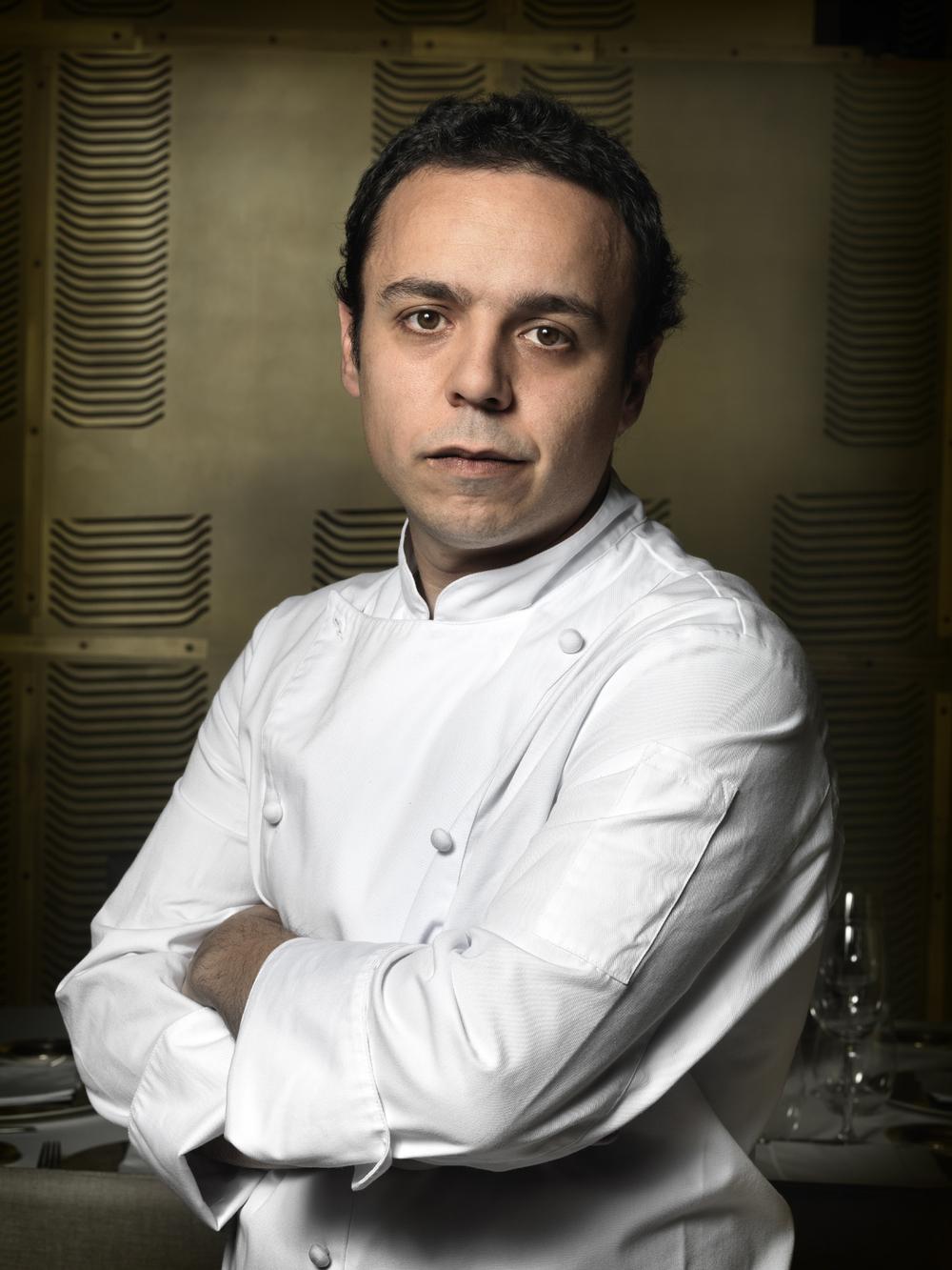 2. chef Toni Cornejo-w2200-h1900.jpg