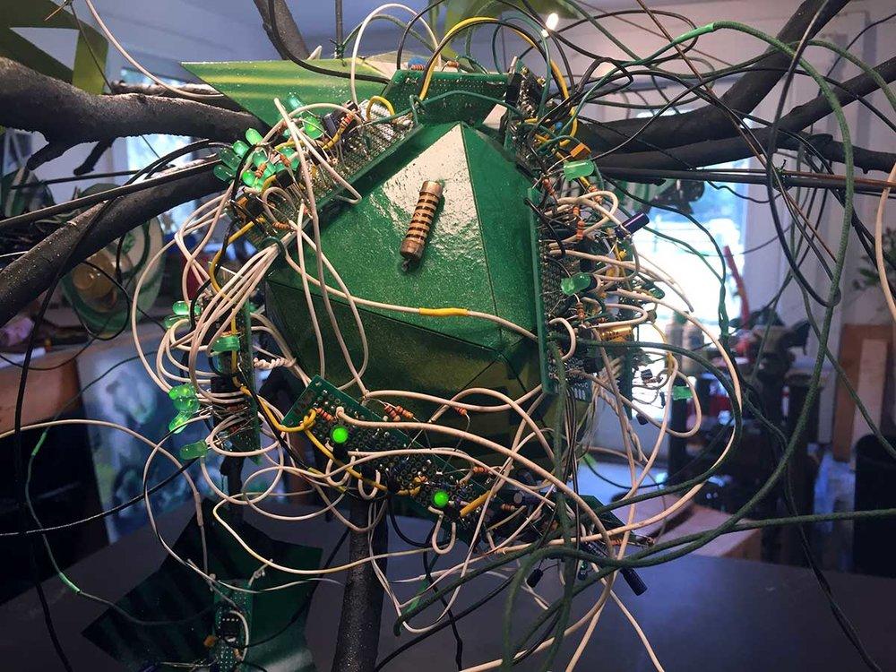 Hackaday_electrolier_det5.jpg