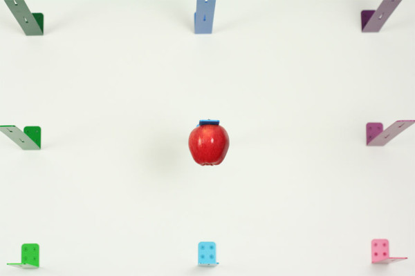 newton-apple-holder-4-600x400.jpg