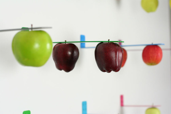newton-apple-holder-1-600x400.jpg