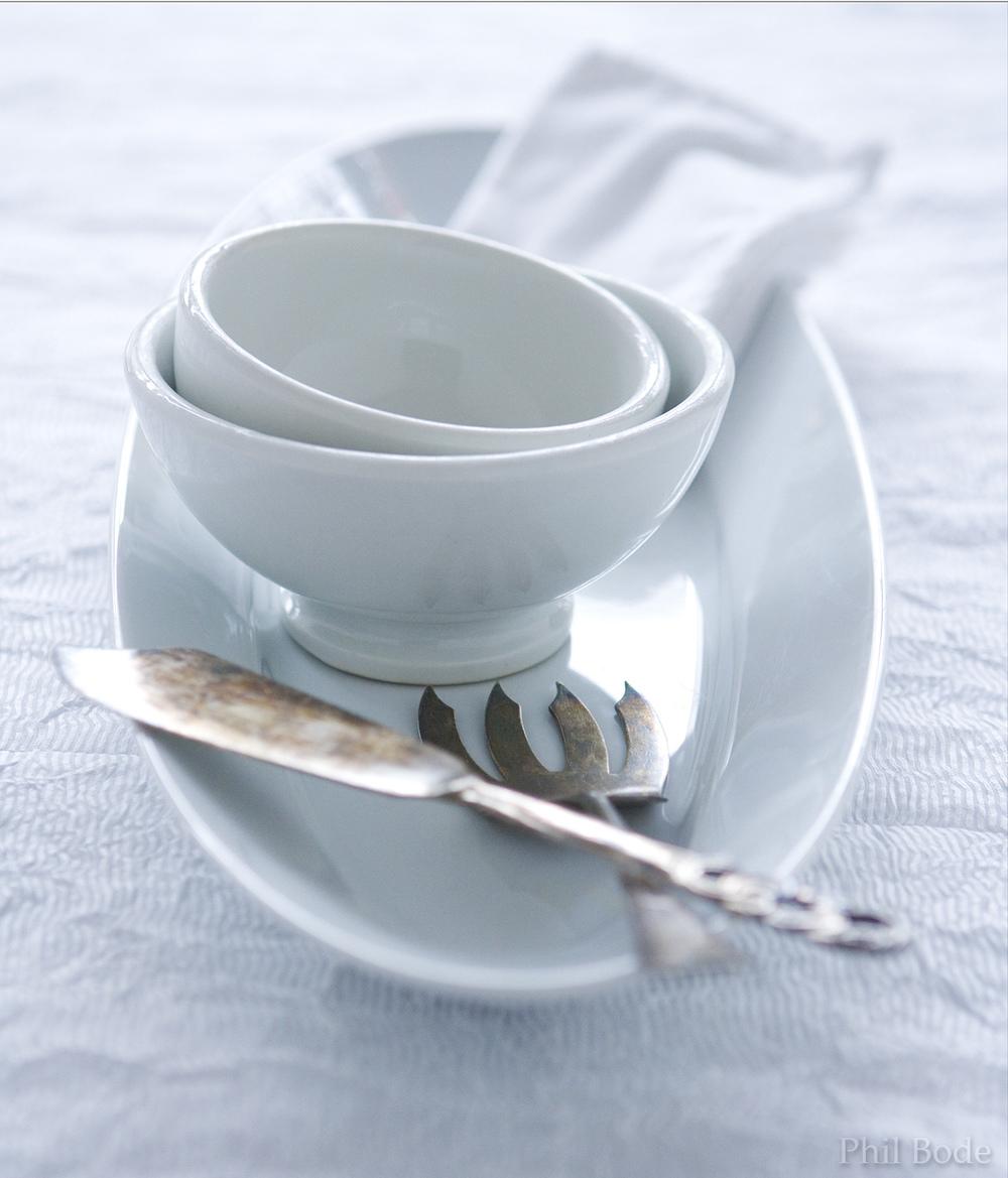 white plateN.jpg