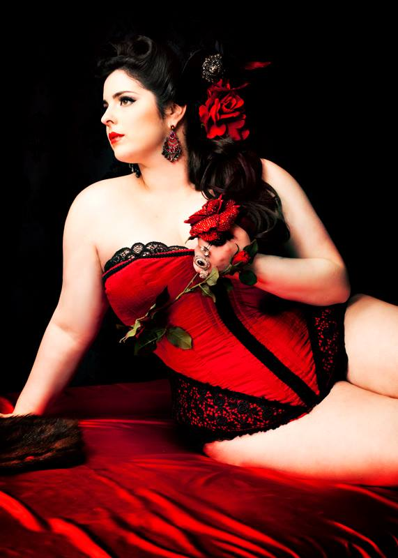 Curvy_Red_Gorgeous