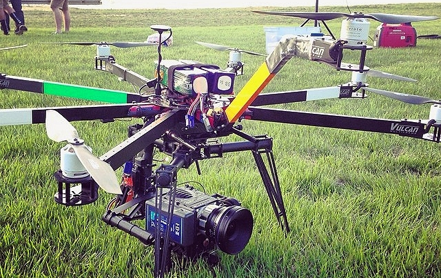 Vulcan - Octocopter, Movi M10/MR, RED Epic, Zeiss CP2