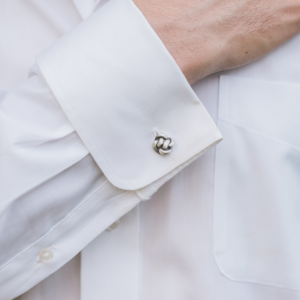 knot_cufflinks_shiny.png