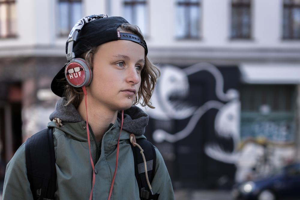 12-T6-Headphones_2.jpg