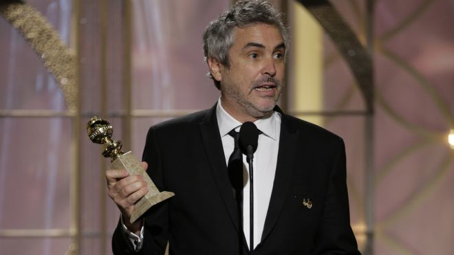 Alfonso Cuaron accepts Golden Globe for Best Director