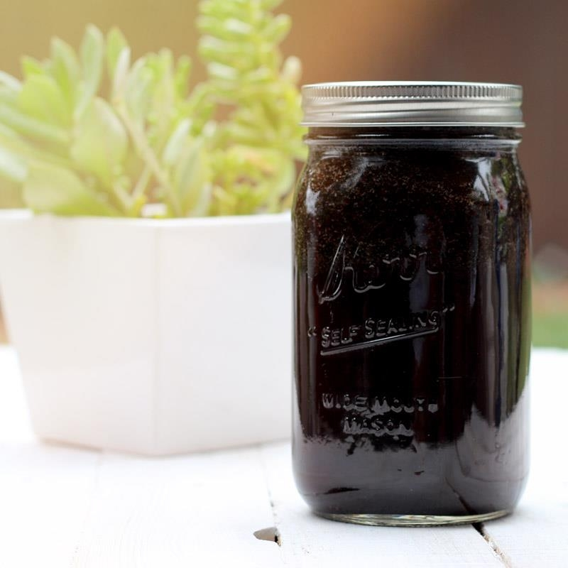 Cold-Brew-Coffee-in-Mason-Jar-1.jpg