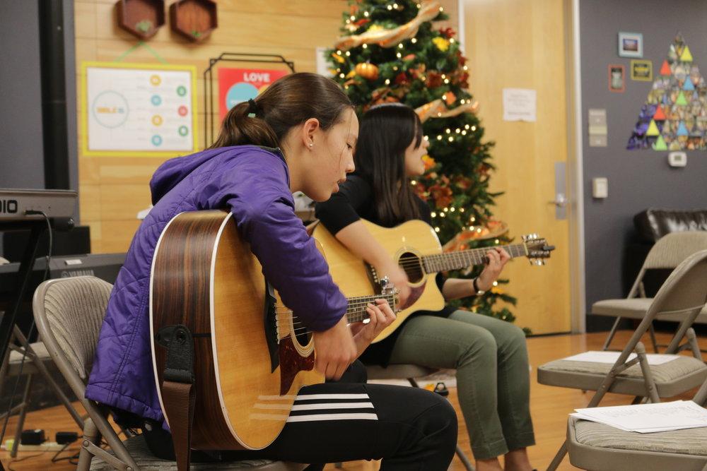 1 Guitar1.JPG