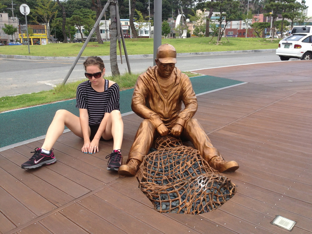 Pohang is known for it's huge steel mill and has beautiful steel art all around this city. This is one representing the fishermen.