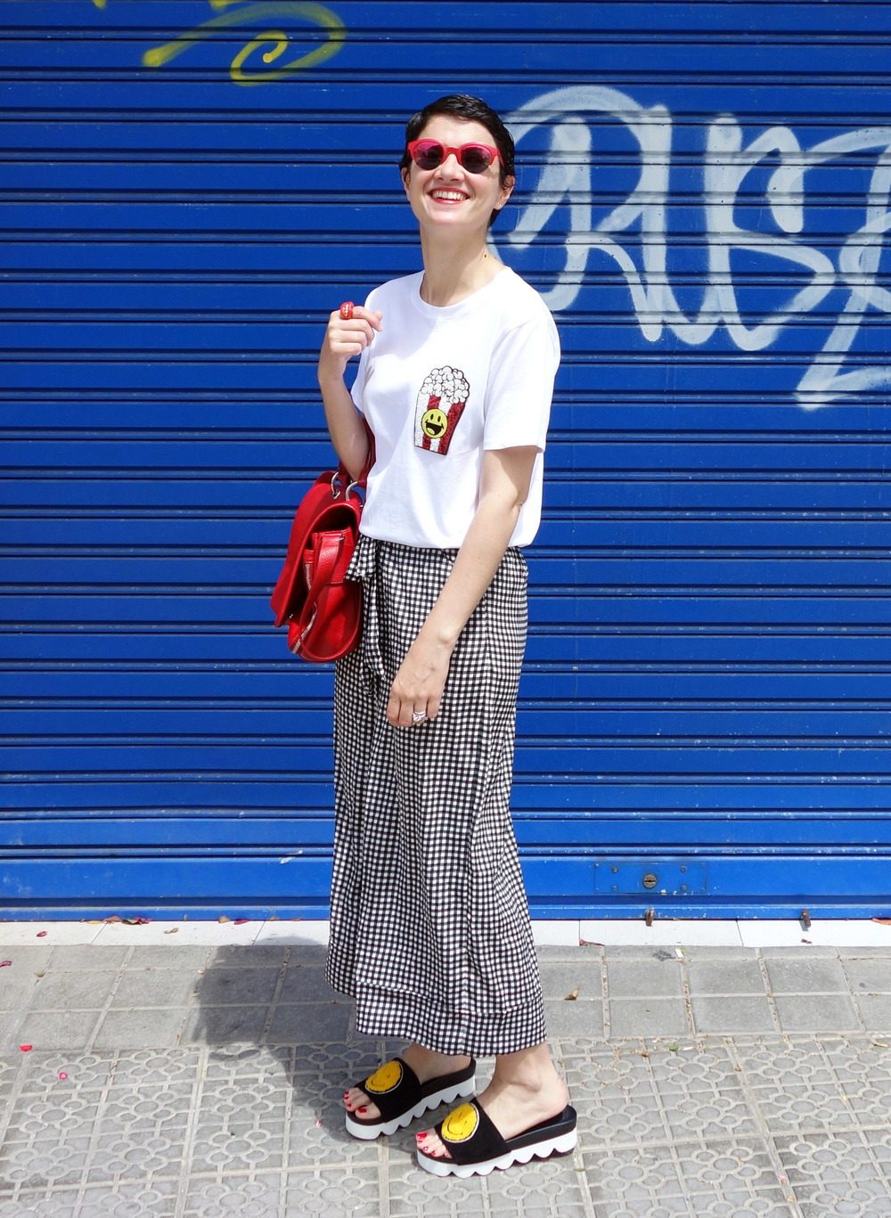 Back_To_Trendy_Smiley_Sandals_Red_Purse_Checkered_Pants_4.JPG
