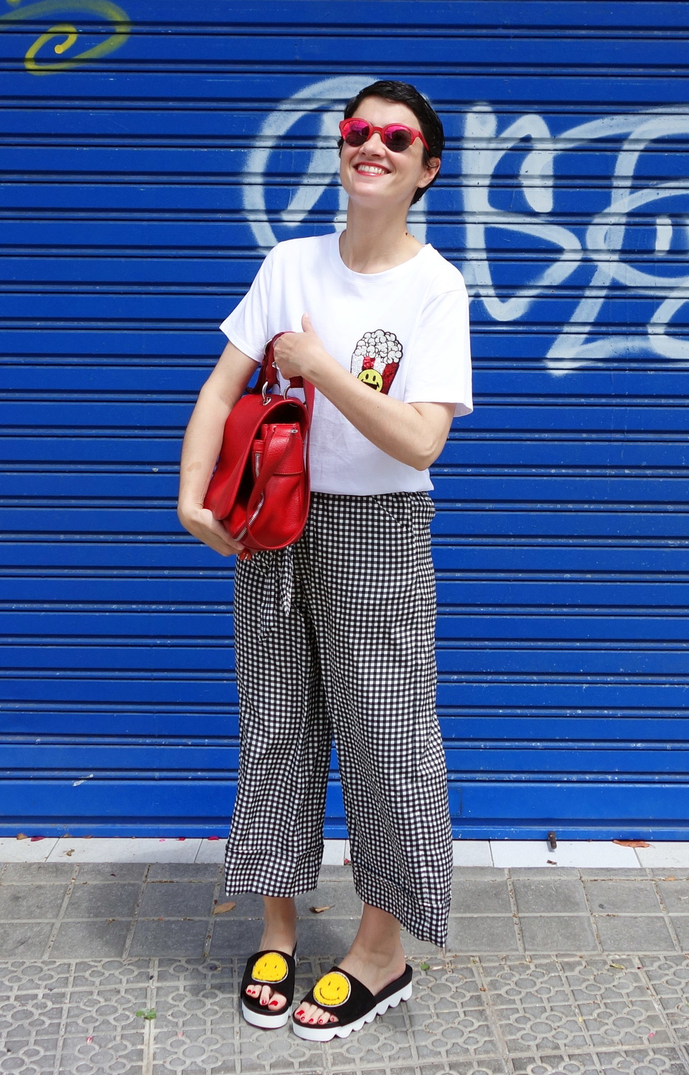 Back_To_Trendy_Smiley_Sandals_Red_Purse_Checkered_Pants_8.JPG
