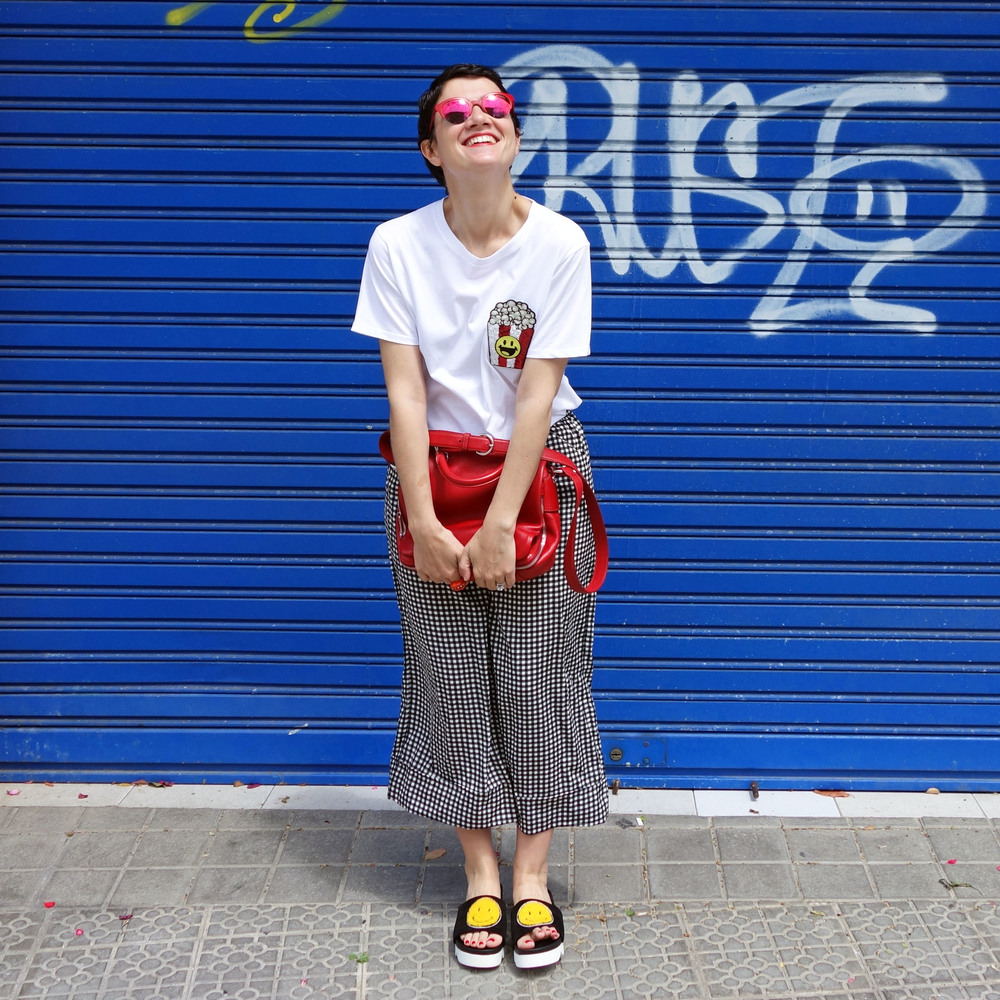 Back_To_Trendy_Smiley_Sandals_Red_Purse_Checkered_Pants_9.JPG