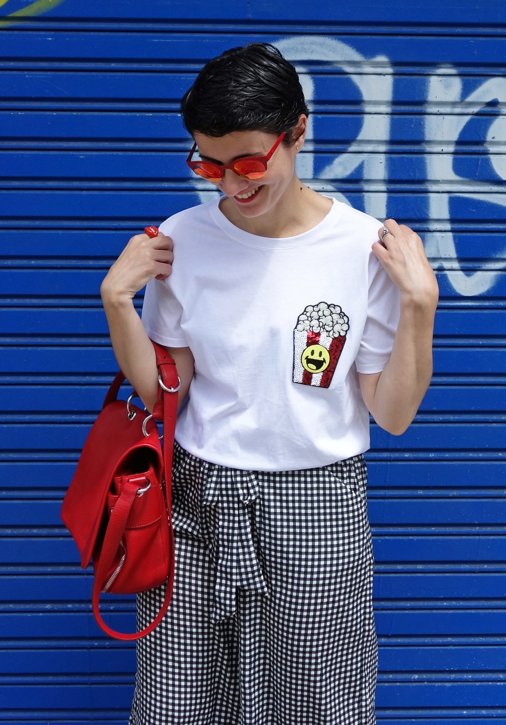 Back_To_Trendy_Smiley_Sandals_Red_Purse_Checkered_Pants_10.JPG