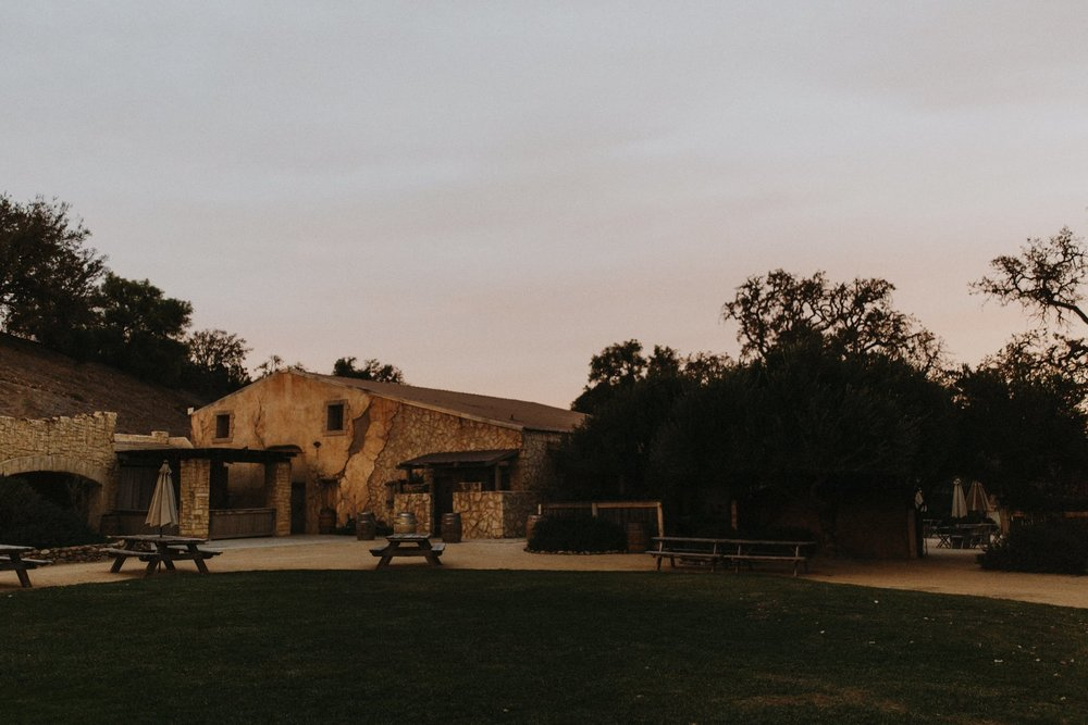 Sunstone-Vineyards-Winery-Wedding