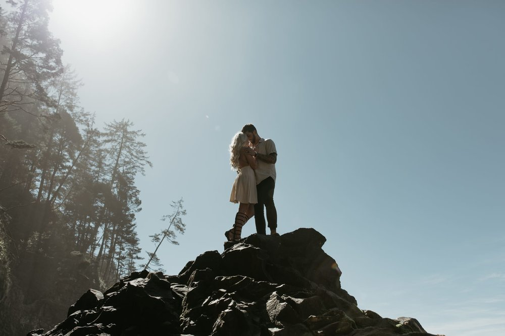 Oregon-Coast-Beach-Adventure-Engagement-Photography