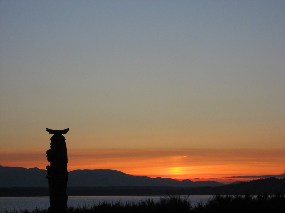 sunset with totem.JPG