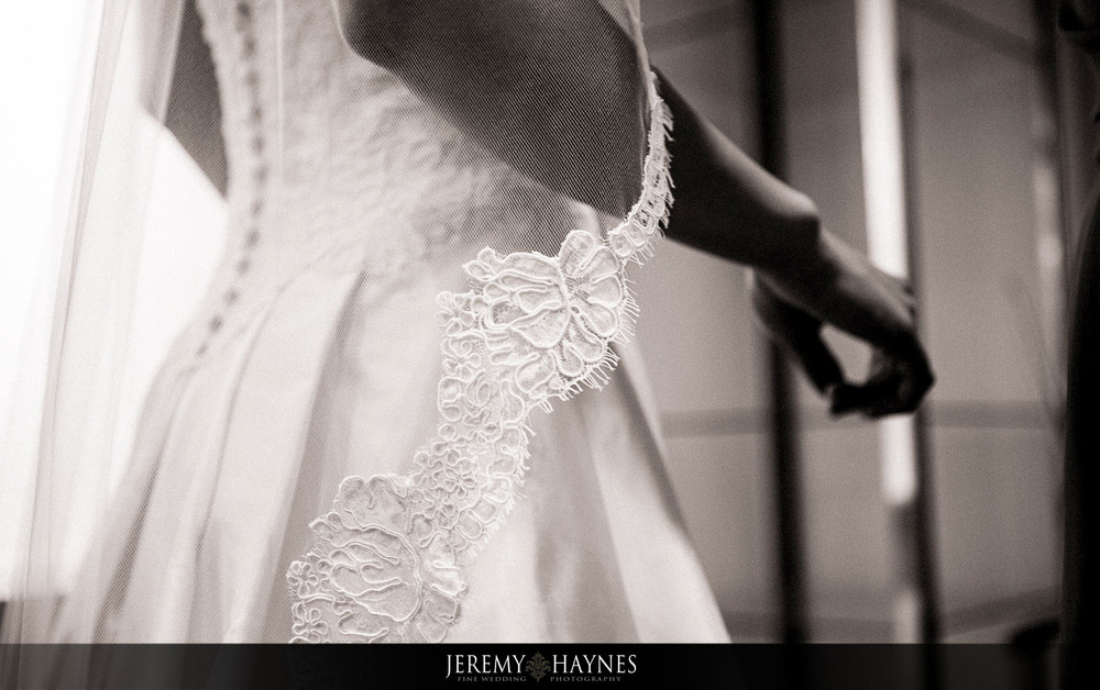 6 Indianapolis Art Center Indianapolis, IN Beautiful Wedding Preparation Pictures.jpg