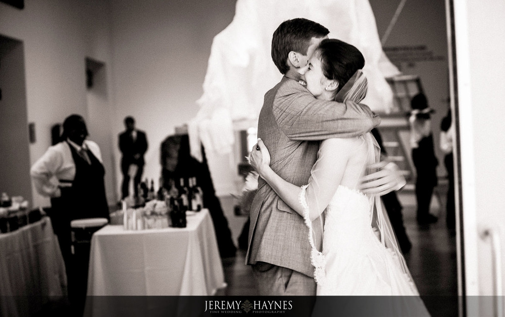 29 Indianapolis Art Center Indianapolis, IN Wedding Couple Ceremony Pictures.jpg